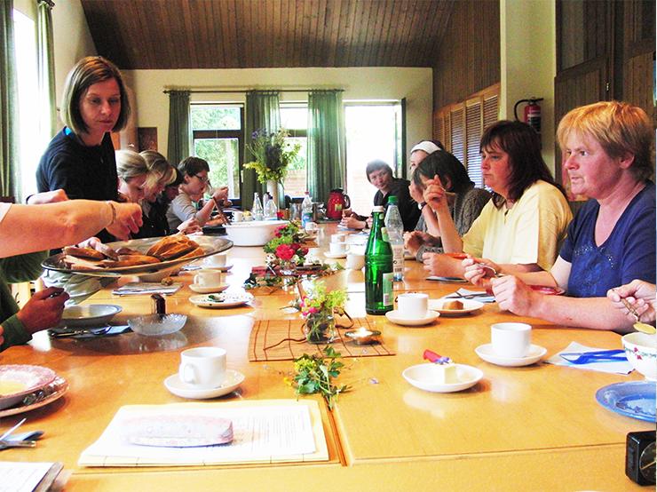 Frühstück, Menschengruppe